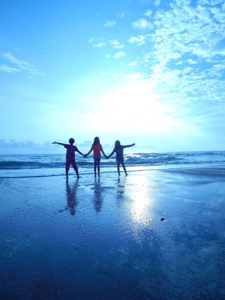 beach_children_vacation_fun_people_family_on_beach_family_vacation_water-651016.jpg!d.jpg