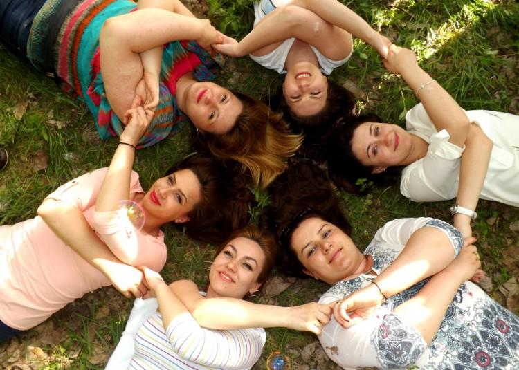 the_gang_friendship_buddy_joy_love_funny-633679.jpg!d